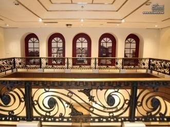 근대 카페가 재현되어 있는 2층 모습