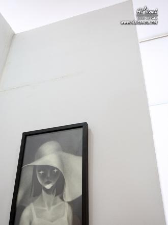 흑백의 여자 모습의 작품