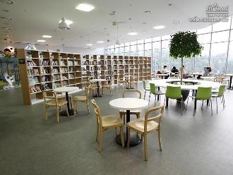 '꿈의숲아트센터' 2층의 '카페드림'