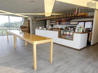 전망대 2층 카페 전경