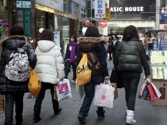 일본 관광객들 뒷모습